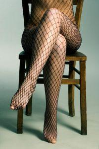 Necc harisnyás női lábak